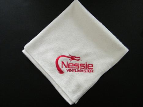Nessie Vinylmaster Mikrofasertuch mit Nessie Logo